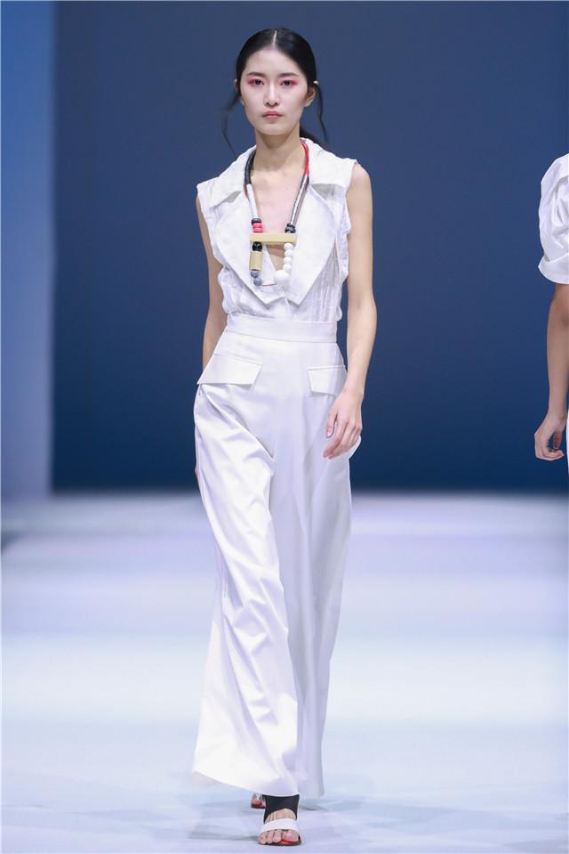 毛怡悦:中国国际时装周