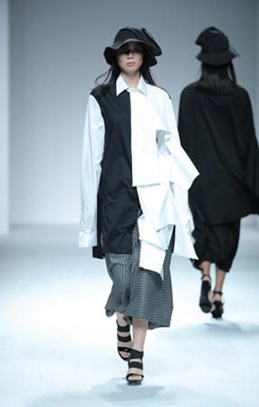 李梦琦:中国国际时装周
